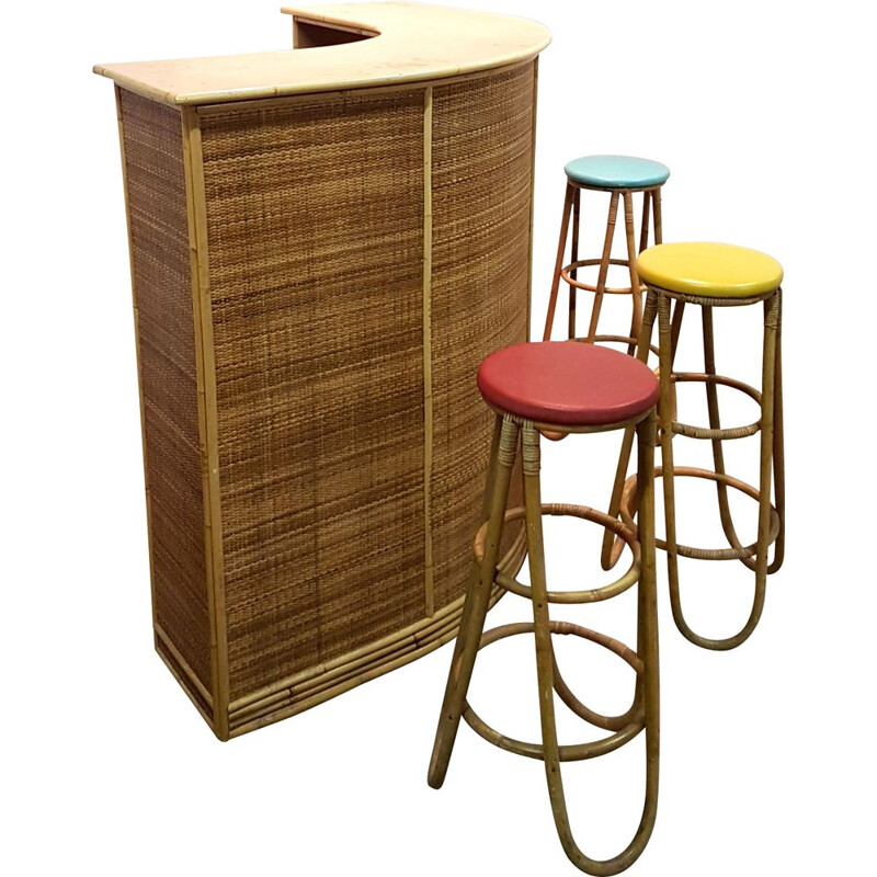 Vintage Tiki bar with stools in rattan and wicker