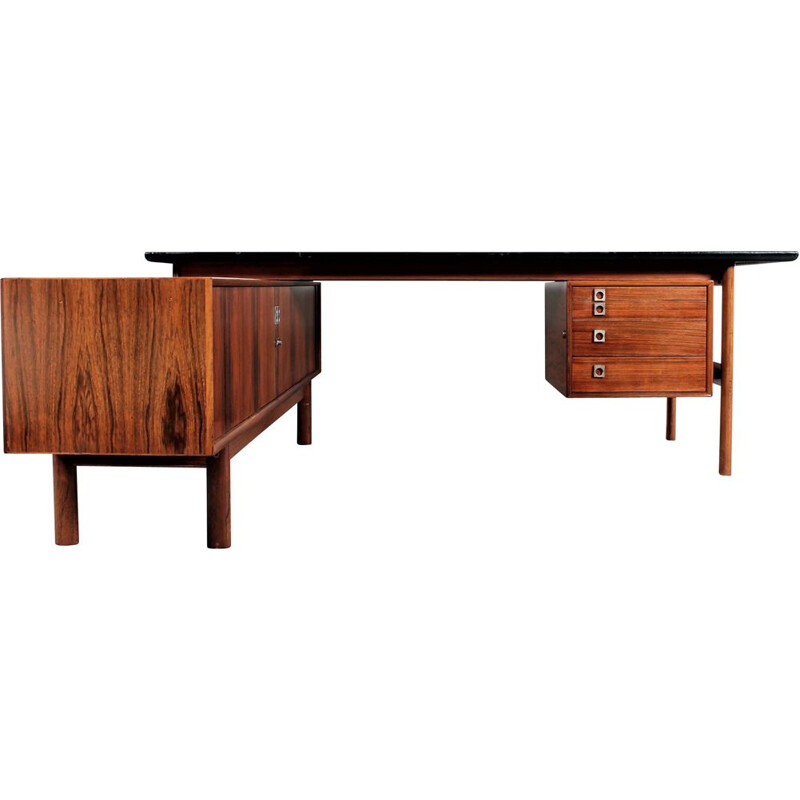 Vintage desk in rosewood by Arne Vodder from Sibast