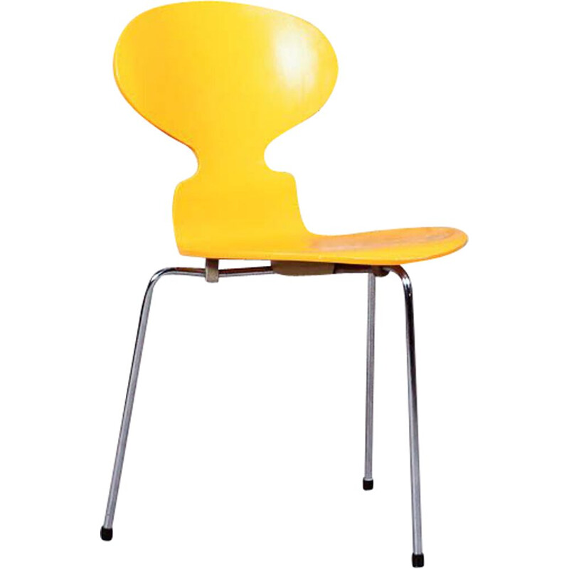 Vintage tripod chair the Ant, N .3100 by Arne Jacobsen for Fritz Hansen, Denmark, 1952s