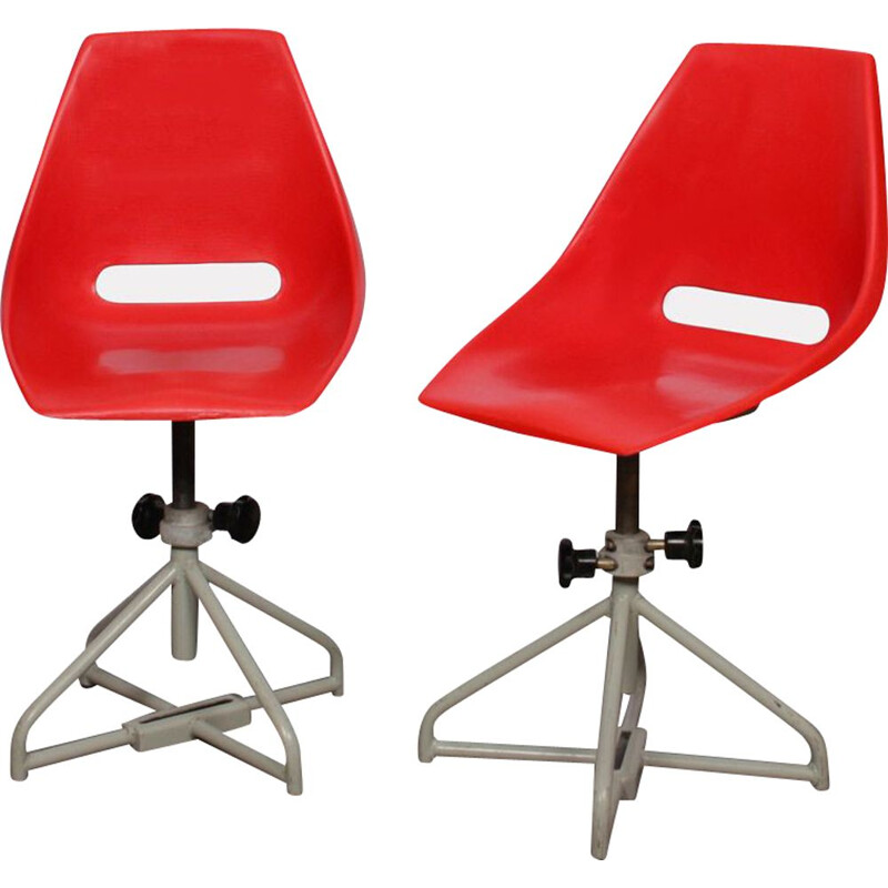 Pair of vintage red chairs by Miroslav Navratil for Vertex, 1960