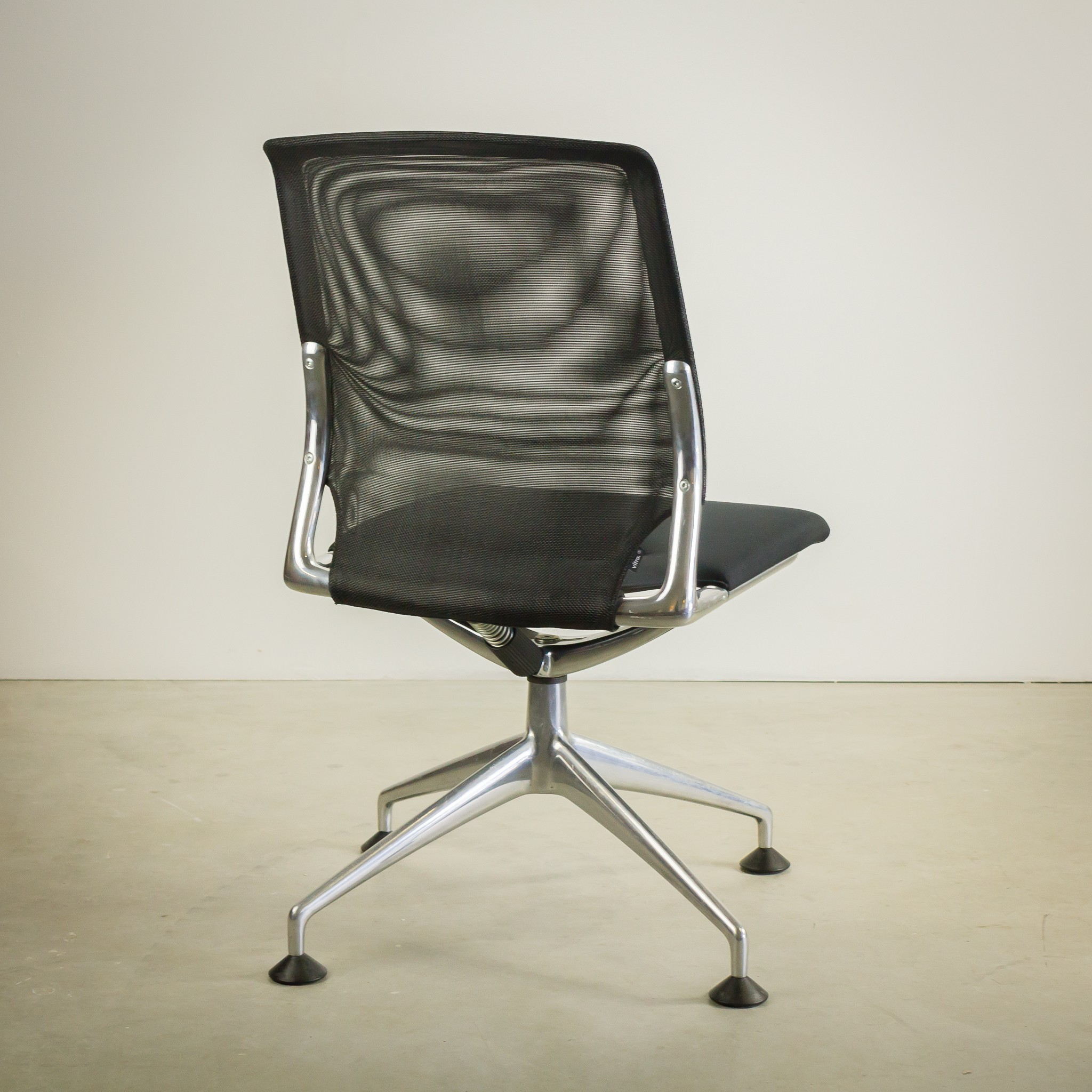 """Set of two Vitra """"Meda Conference"""" chairs Alberto MEDA 1990s"""