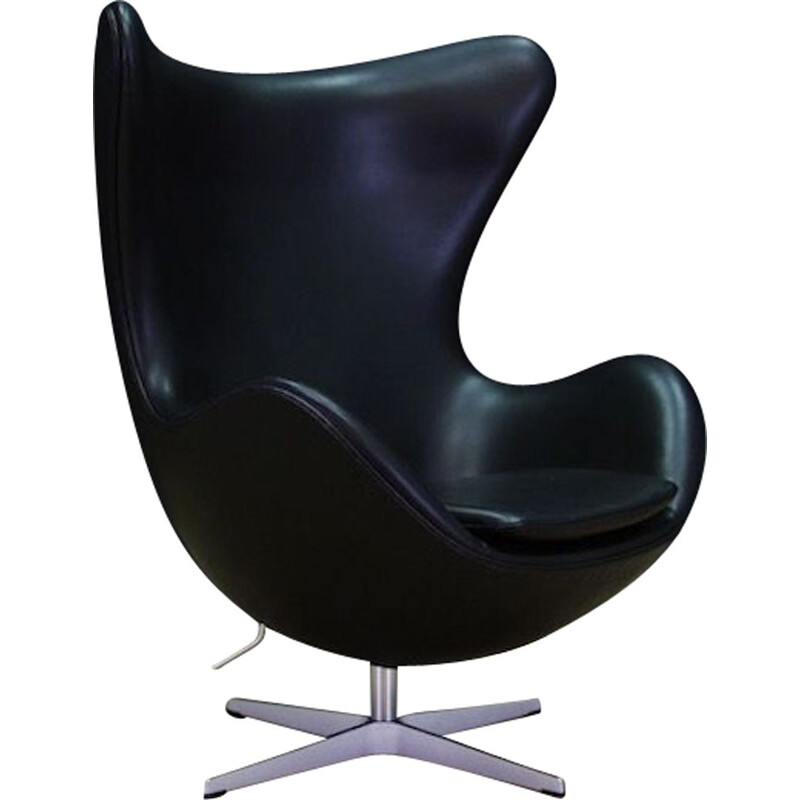 Vintage Arne Jacobsen Egg Chair in Elegance black leather