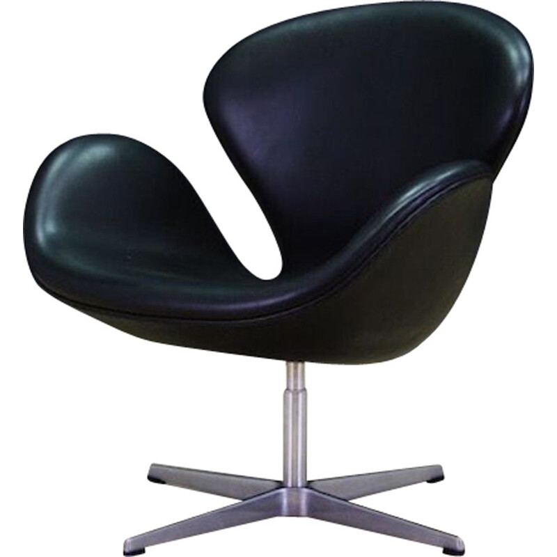 Vintage Swan leather armchair by Arne Jacobsen for Fritz Hansen, 1982