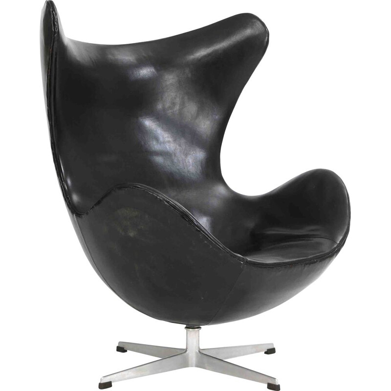 "Vintage ""Egg Chair"" black leather armchair, Arne Jacobsen"