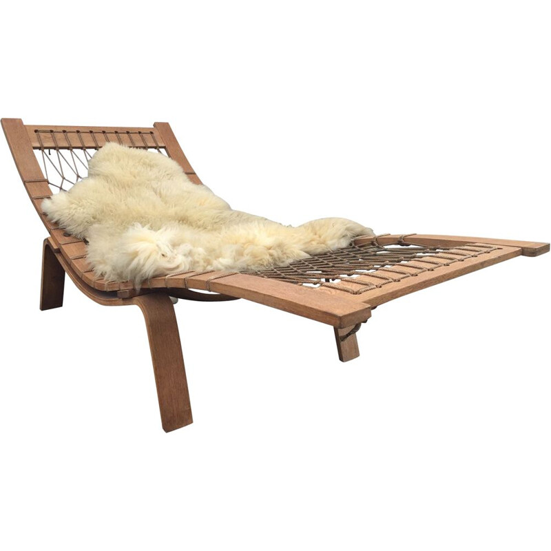 "Vintage lounge chair ""Hammock"" by Hans Wegner for Getama"