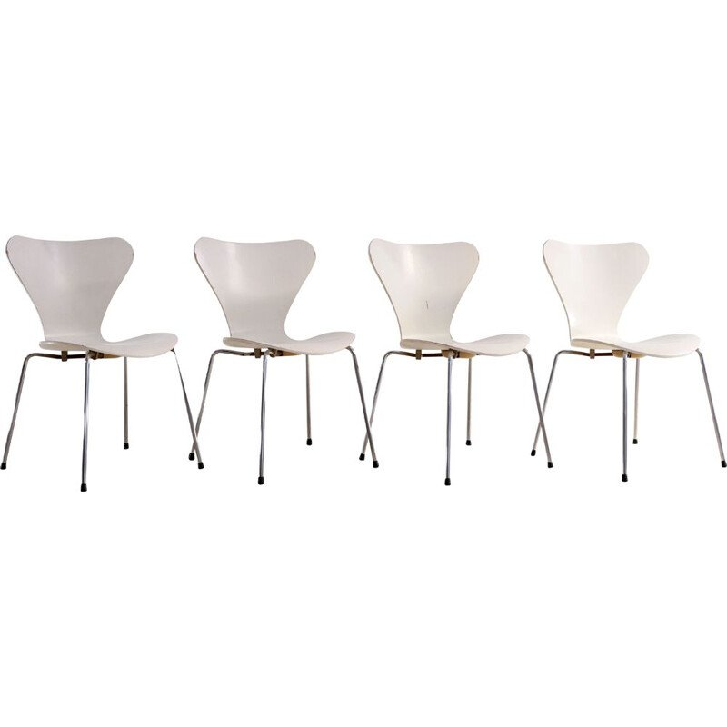 Set of 4 vintage chairs by Arne Jacobsen for Fritz Hansen