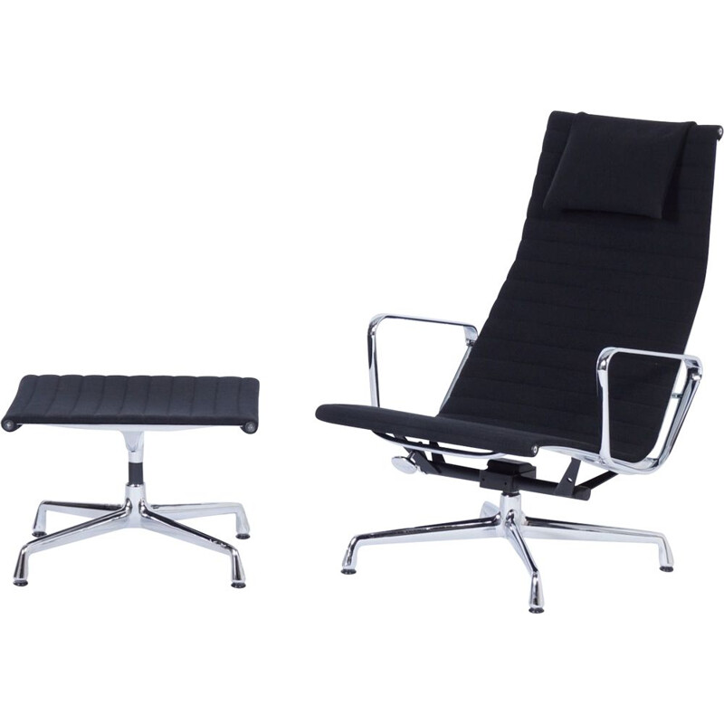 Vintage EA 124 Lounge Chair with ottoman by Charles and Ray Eames for Vitra, 2000