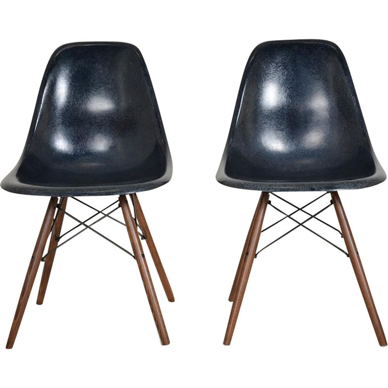 Vintage DSW night blue vintage chair by Charles and Ray Eames
