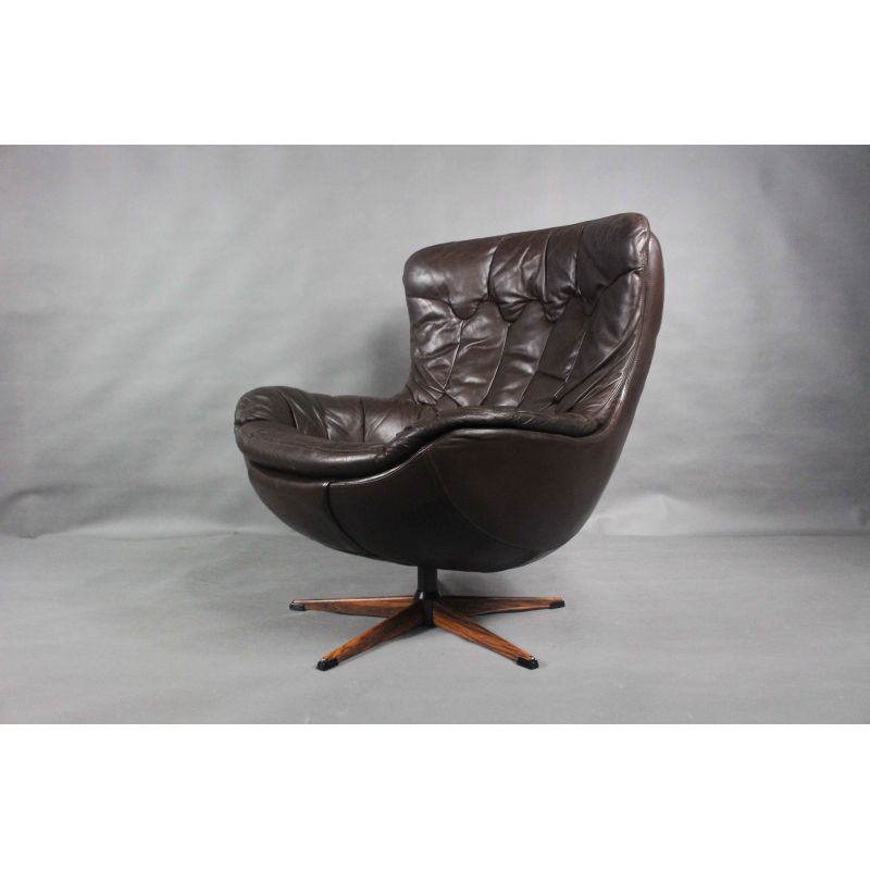Danish vintage Egg chair by H.W. Klein for Bramin, 1960s