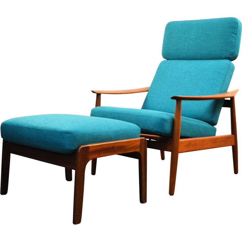 Vintage FD-164 teak lounge chair and footstool by Arne Vodder