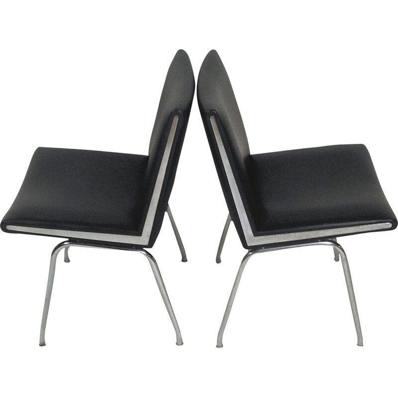 Set of Two Airport Lounge Chairs in Black by Hans J. Wegner  for A.P. Stolen 1960
