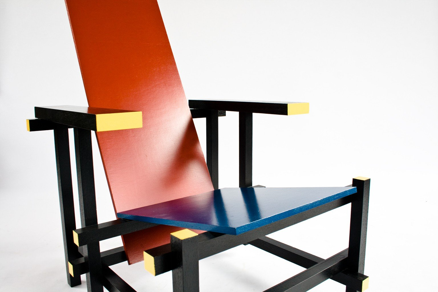 Red and blue arm chair, Gerrit RIETVELD - 1930s - Design ...