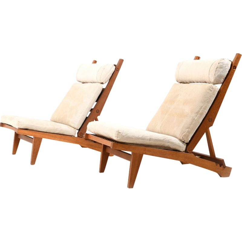 Pair of vintage AP71 reclining lounge chairs by Hans Wegner