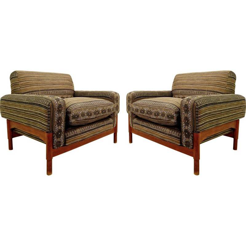 Pair of vintage Italian armchairs with new upholstery