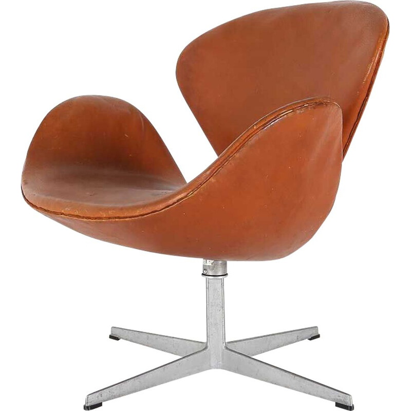 Vintage swan chair by Arne Jacobsen, 1960