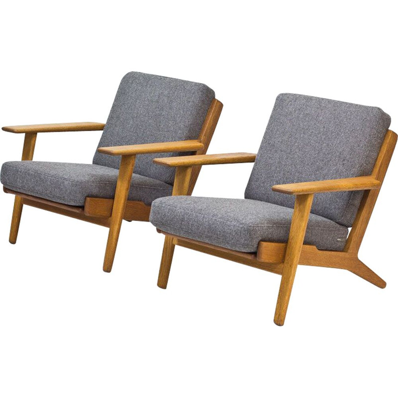 Pair of Hans J. Wegner's GE-290 vintage lounge chairs for Getama, 1950