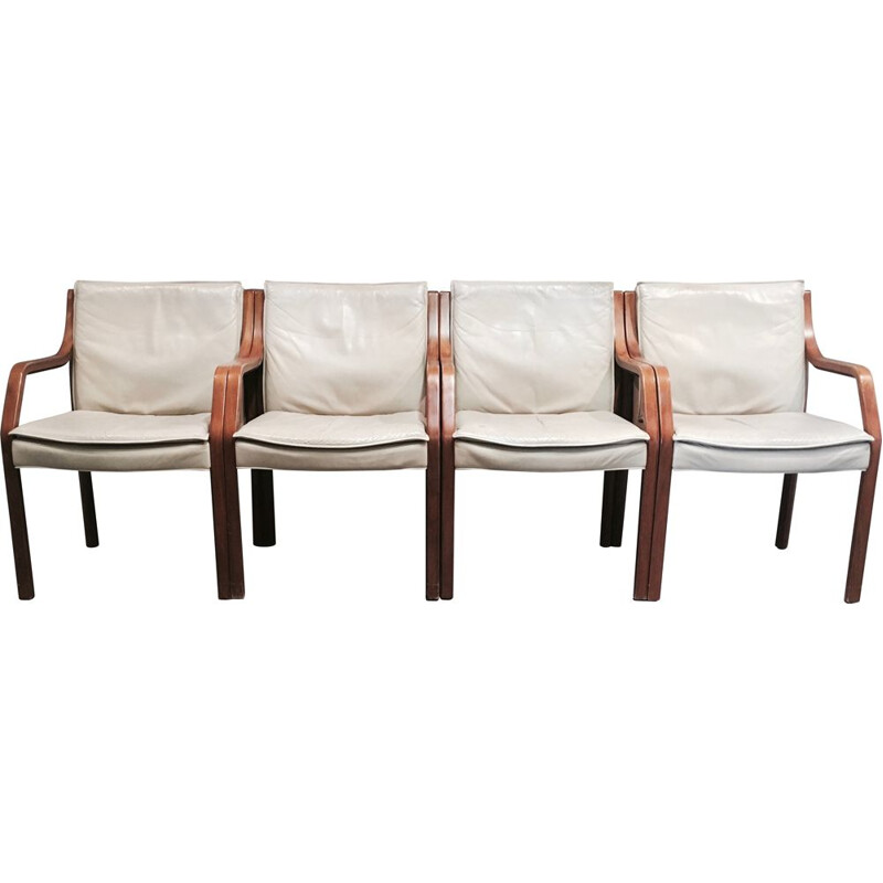 Set of 4 vintage leather armchairs by Knoll