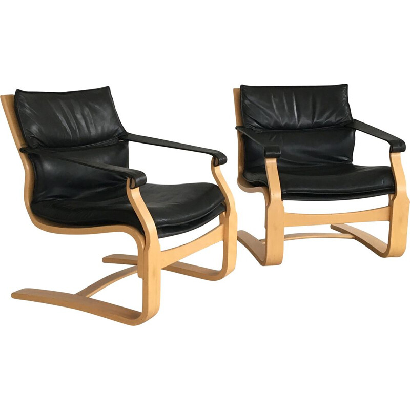 Vintage pair of Ake Fribytter lounge chairs in beech and black leather by Nelo, 1970s