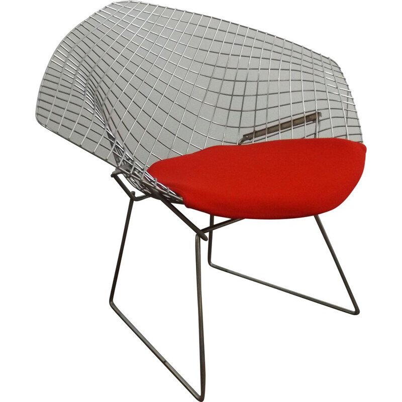 Diamond chair by Knoll International