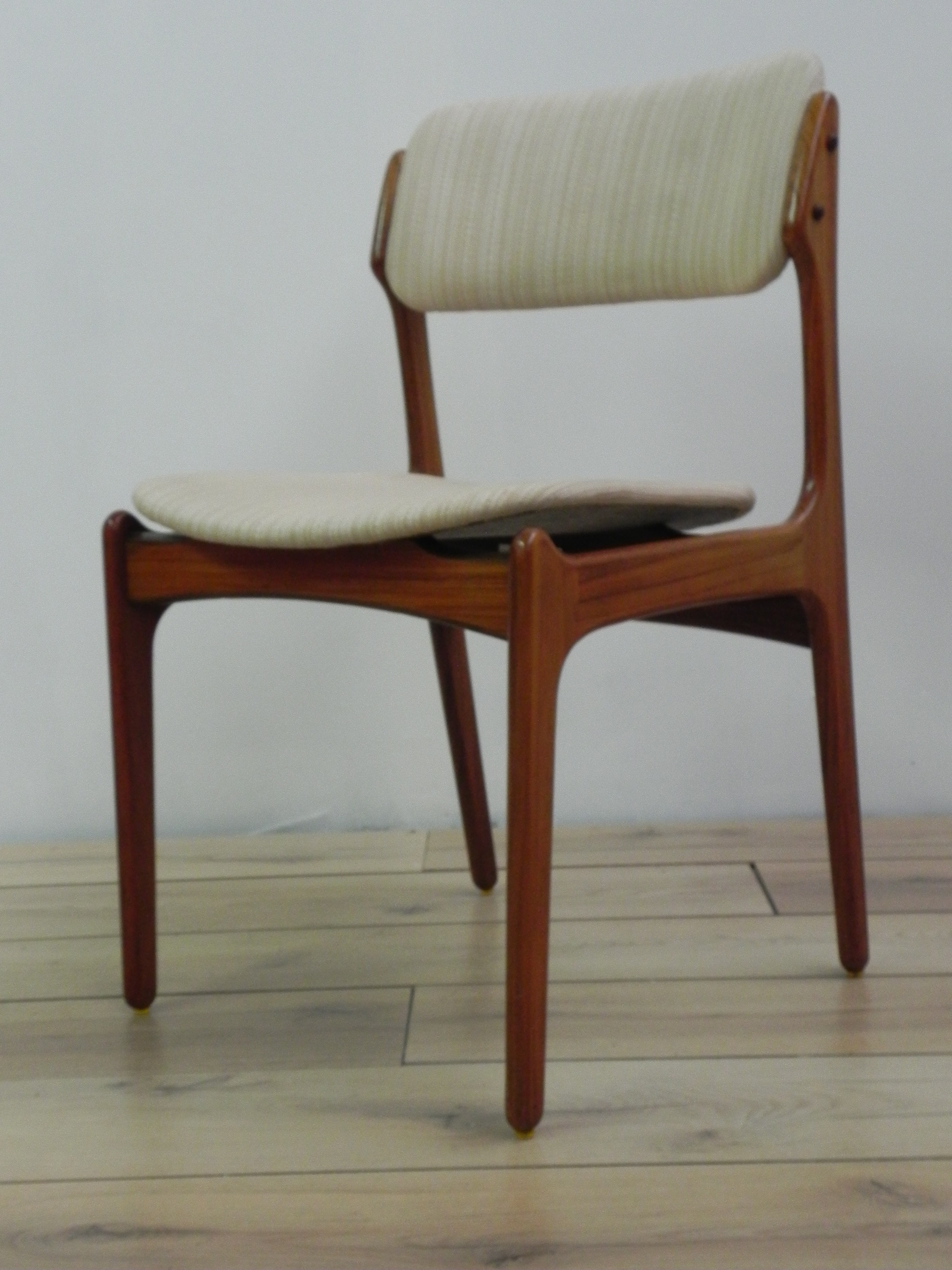Set of 6 rosewood chairs with white fabric Erik BUCH 1960s