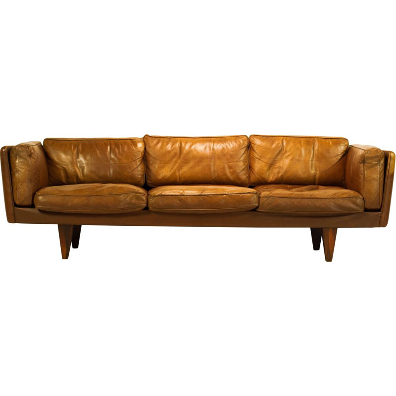 Vintage V11 Sofa in rosewood and buffalo leather by Illum Wikkelso