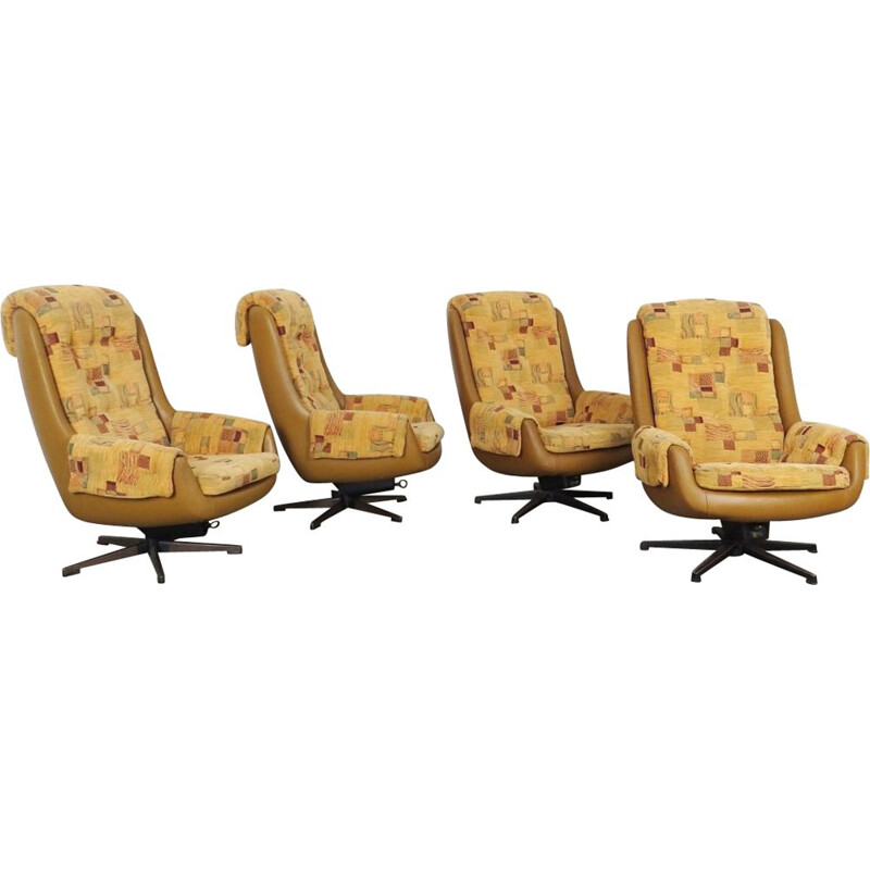 Set of 4 swivel armchairs by Peem 1970s