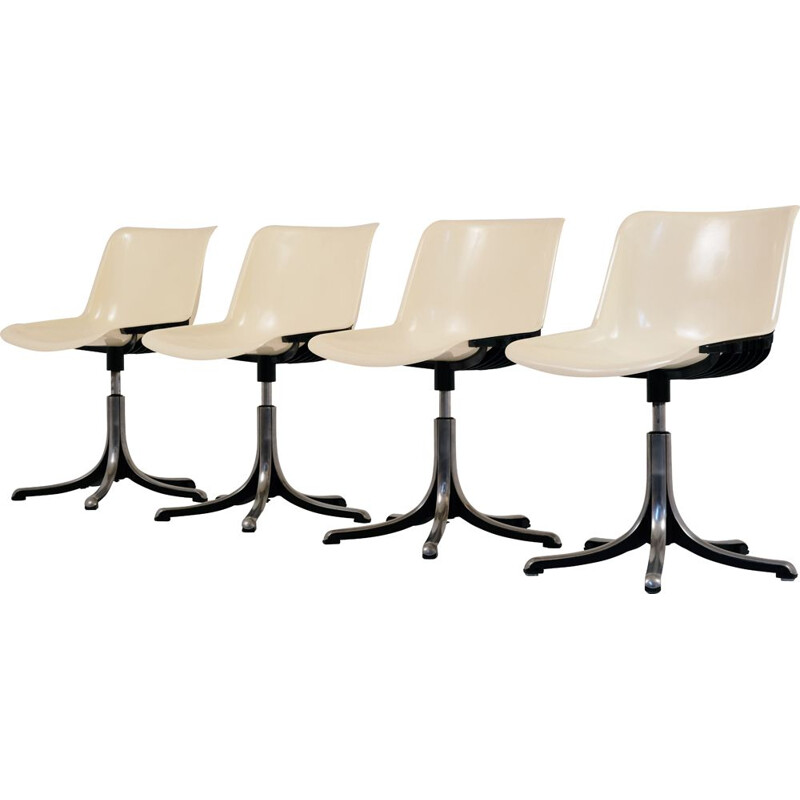 set of 4 ivory chairs by O. Borsani for Tecno