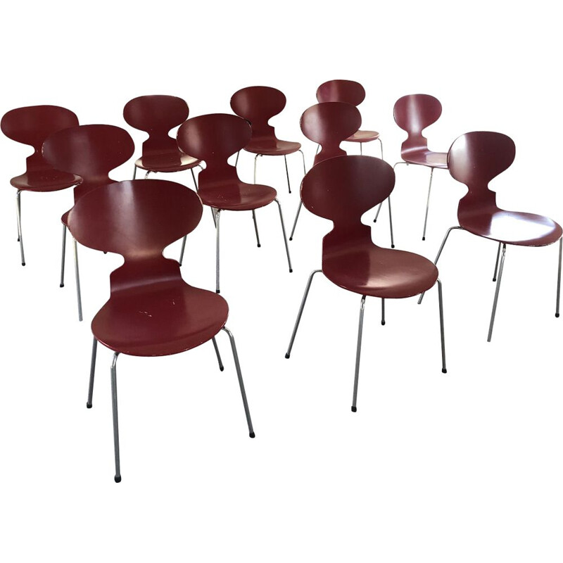 Set of 10 vintage chairs Ant 3101 red by Arne Jacobsen for Fritz Hansen, 1950