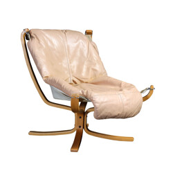 "Vatne Furniture ""Falcon"" armchair in beige leather, Sigurd RESELL - 1970s"