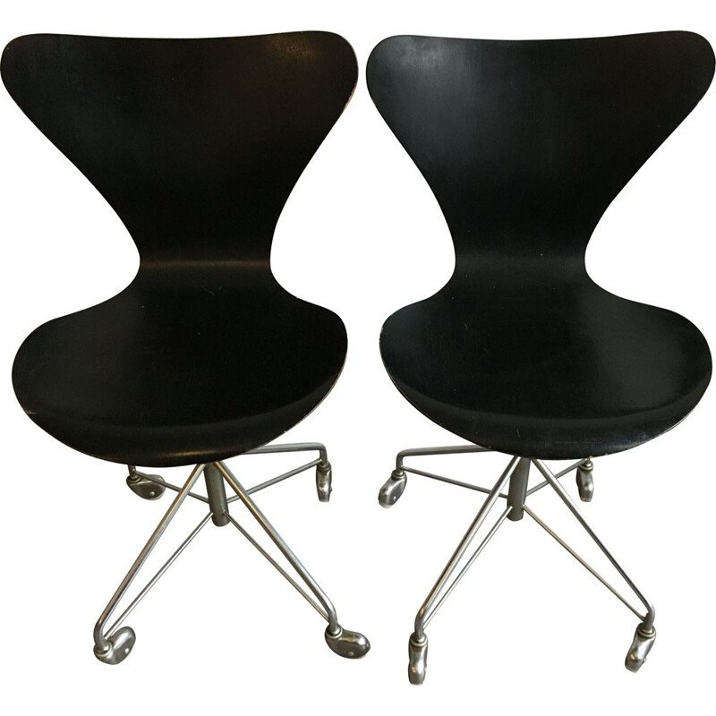 Pair of task chairs Fritz Hansen 3117 1960s