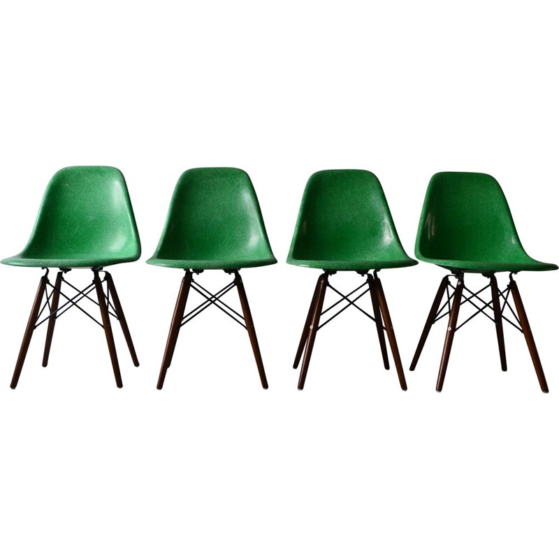 Charles and Ray Eames Green Vintage Set of 4 Chairs - Herman Miller