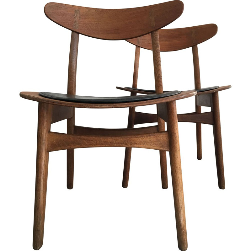 Pair of dining chairs Hans J. Werner Model CH30