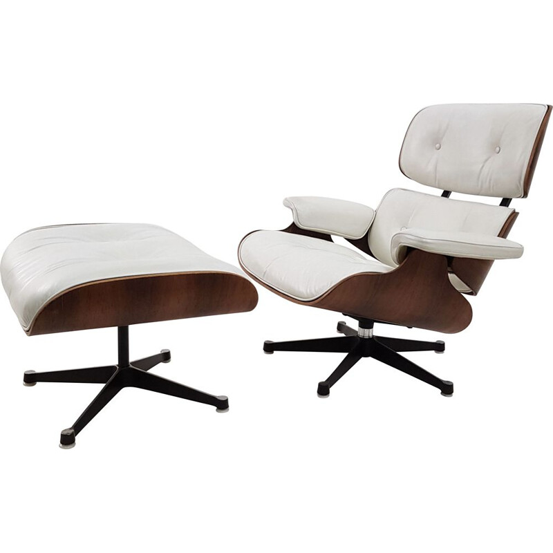 Vintage Eames 670 Lounge chair and ottoman 1970