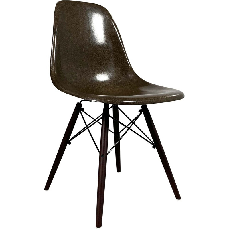 Dining chair Vintage Brown DSW Charles and Ray Eames for Herman Miller, 1980