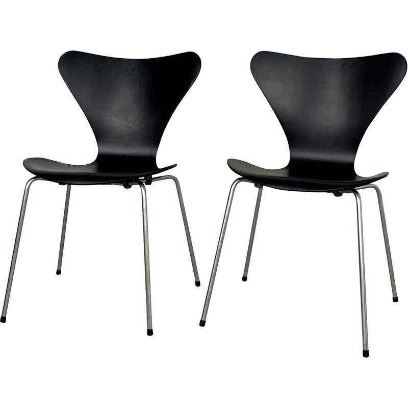 Pair of Butterfly Chairs by Arne Jacobsen for Fritz Hansen, 1950s