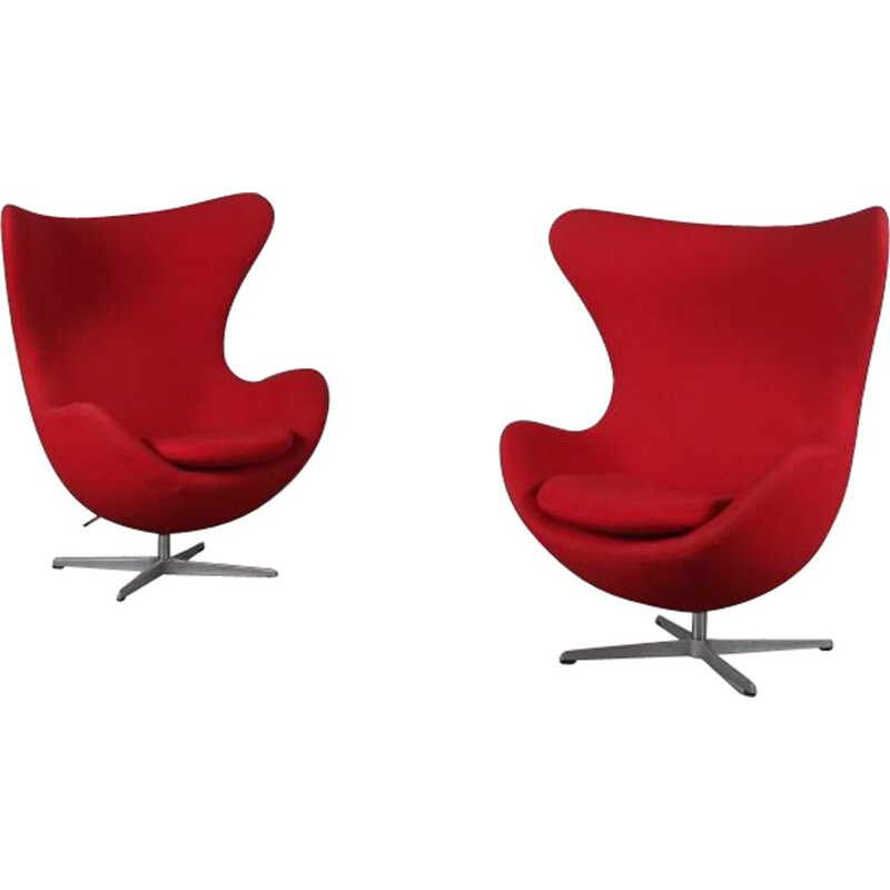 Vintage Egg Chair in red fabric Arne Jacobsen for Fritz Hansen 1980s