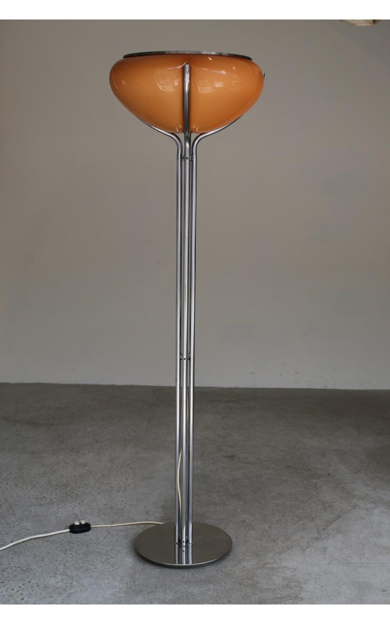 Guzzini Quadrifoglio Floor Lamp With Beige Lampshade Gae Aulenti