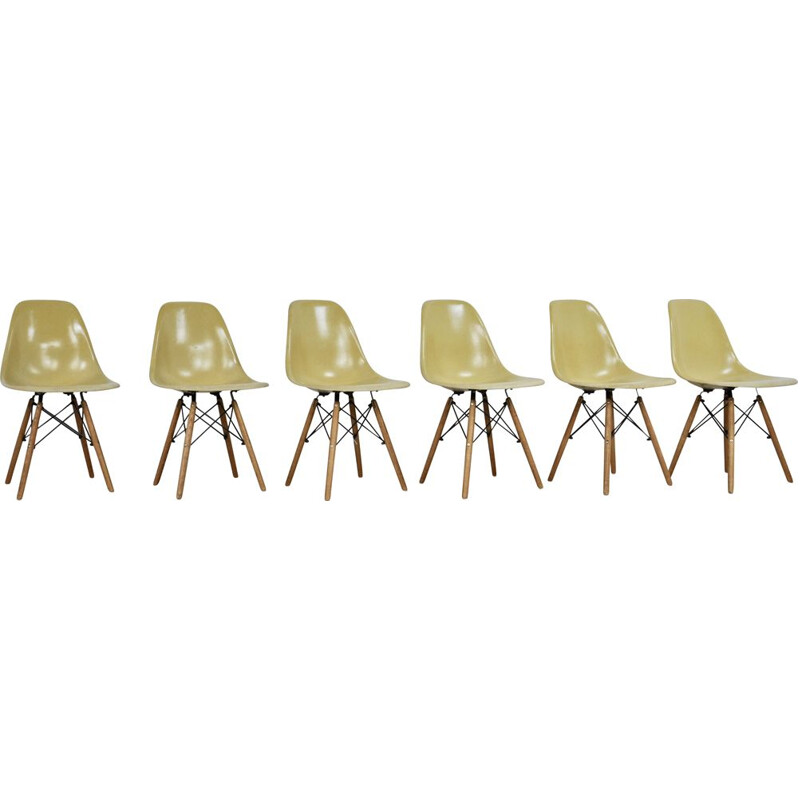 Series of 6 DSW chairs by Charles and Ray Eames for Herman Miller, 1970s