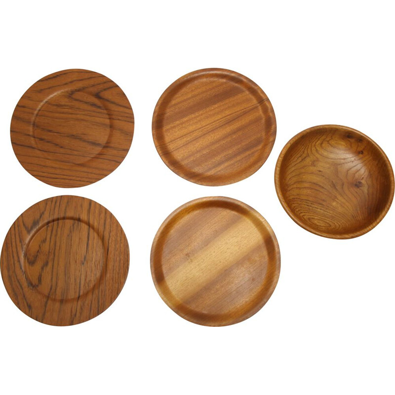 Set of 4 teak bottom plates with scale Scandinavia