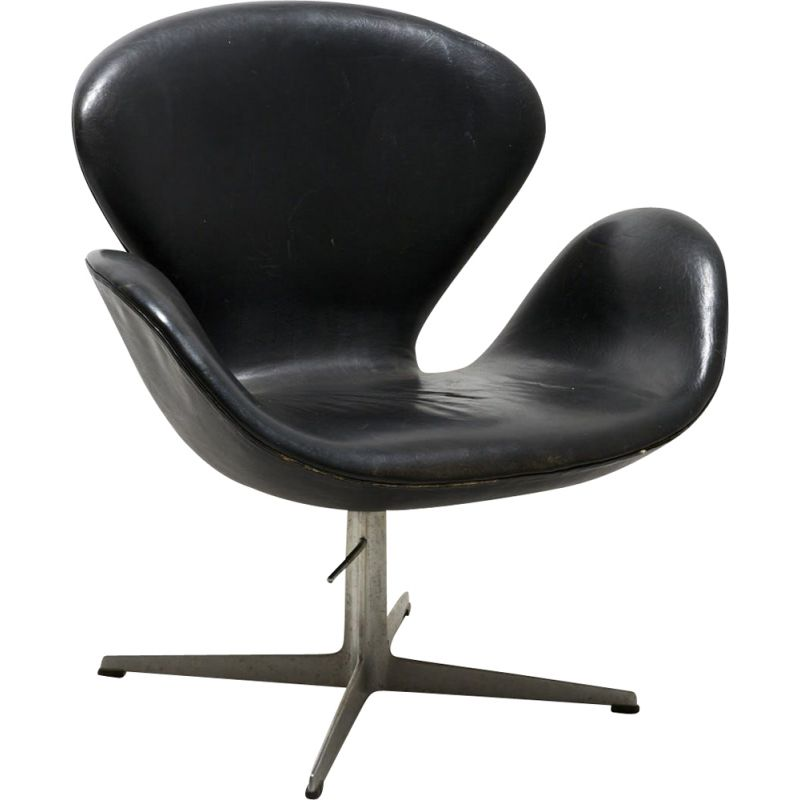 Vintage 'Swan' Lounge Chair in Black Leather by Arne Jacobsen for Fritz Hansen - 1958