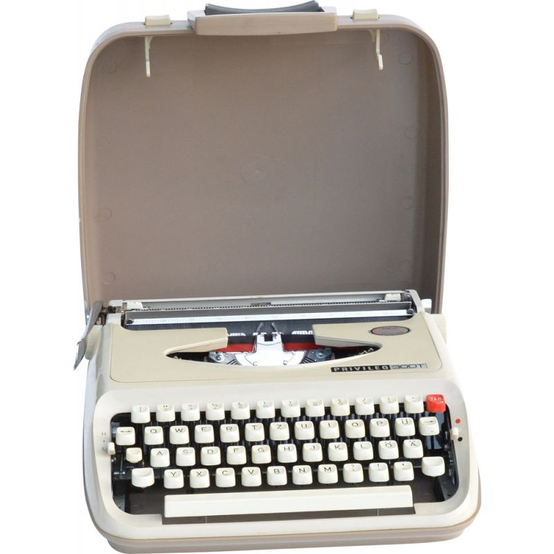 Vintage Suitcase typewriter Privileg T300, Japan 1970s
