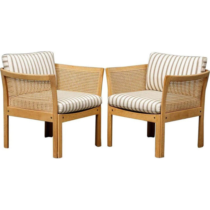 Pair of Vintage Plexus Lounge Chairs in Oak and White Fabric Illum Wikkelsø Danish 1960s