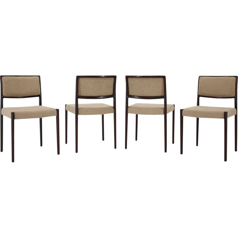 Set of 4 vintage Dining Chairs Model 80 by Niels O. Møller Oak