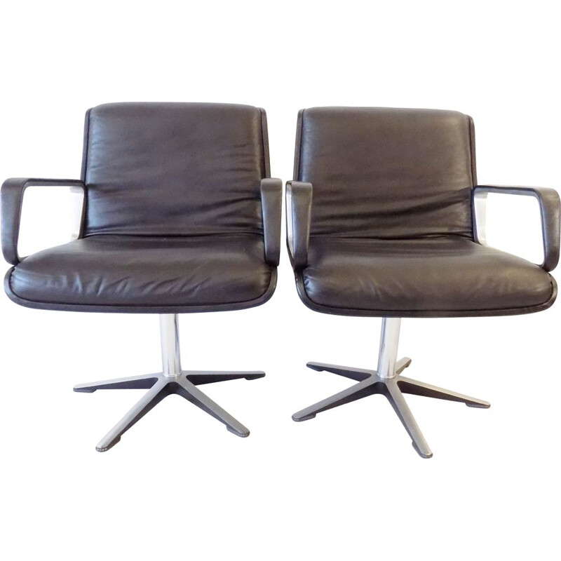 Pair of black leather loungechairs by Delta Wilkhahn Delta 2000