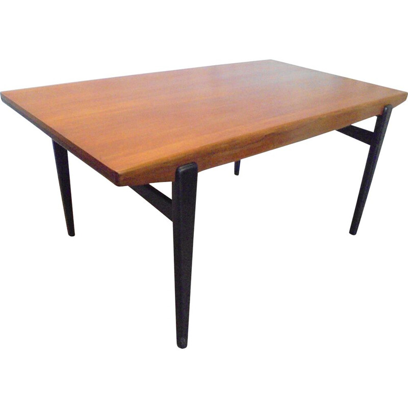 Vintage extensible teak table with black lacquered legs 1960