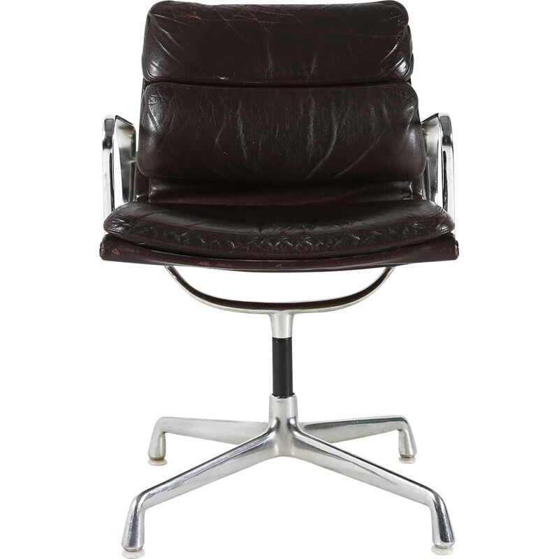 Vintage armchair model EA208 Charles and Ray Eames 1969