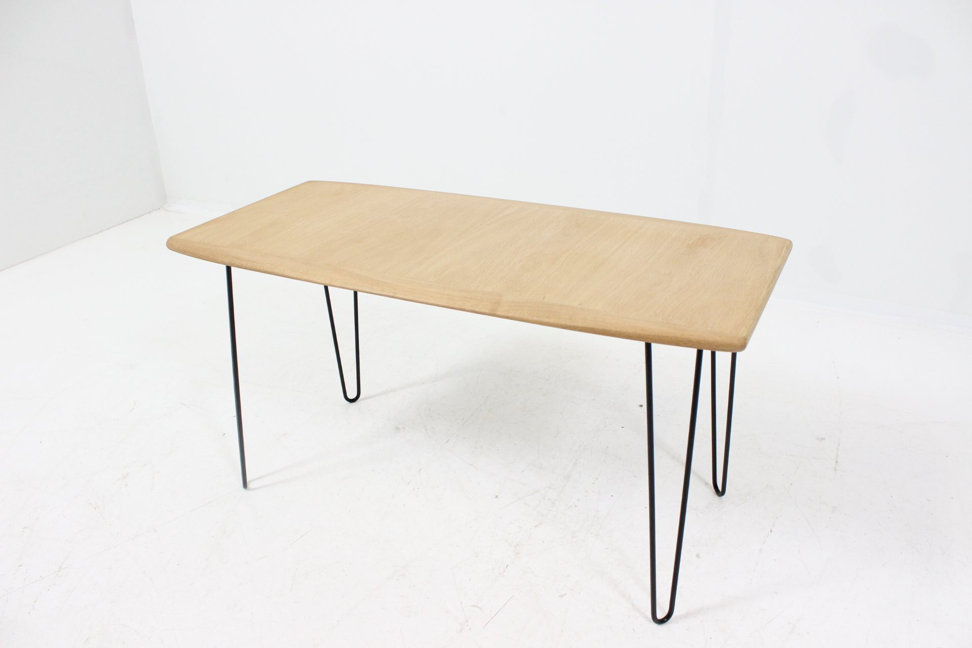 Organic Shaped Coffee Table In Oak 1960s Previous Next