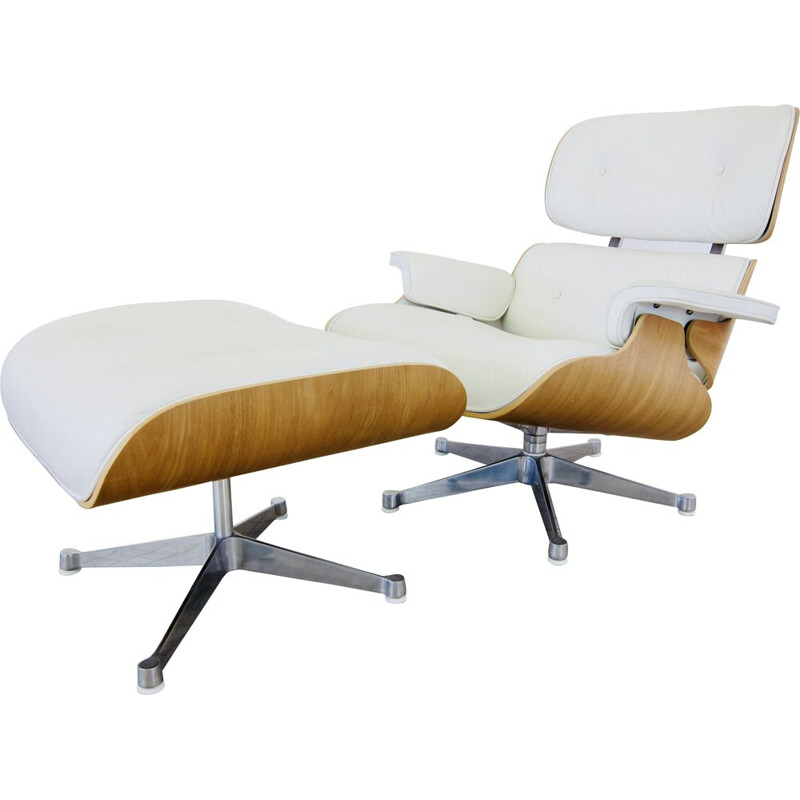 "Eames de Vitra ""white edition"" lounge chair and vintage ottoman 1956"
