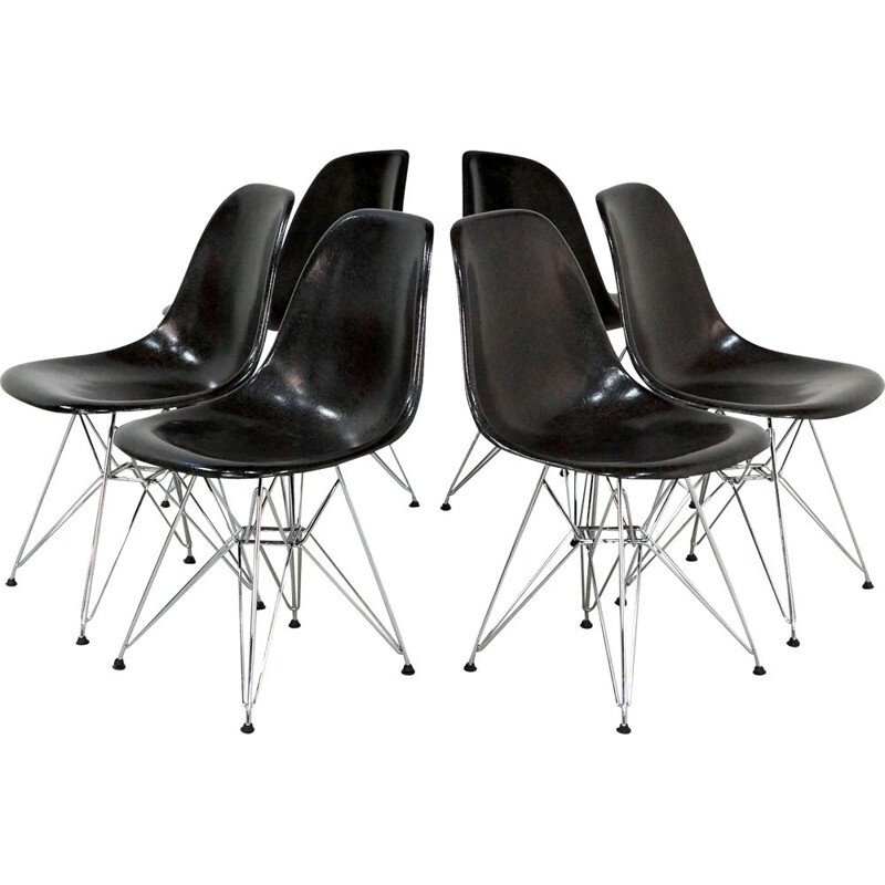 Set of 6 vintage Dining Chairs by Charles & Ray Eames for Vitra, Black Fiberglass 1980
