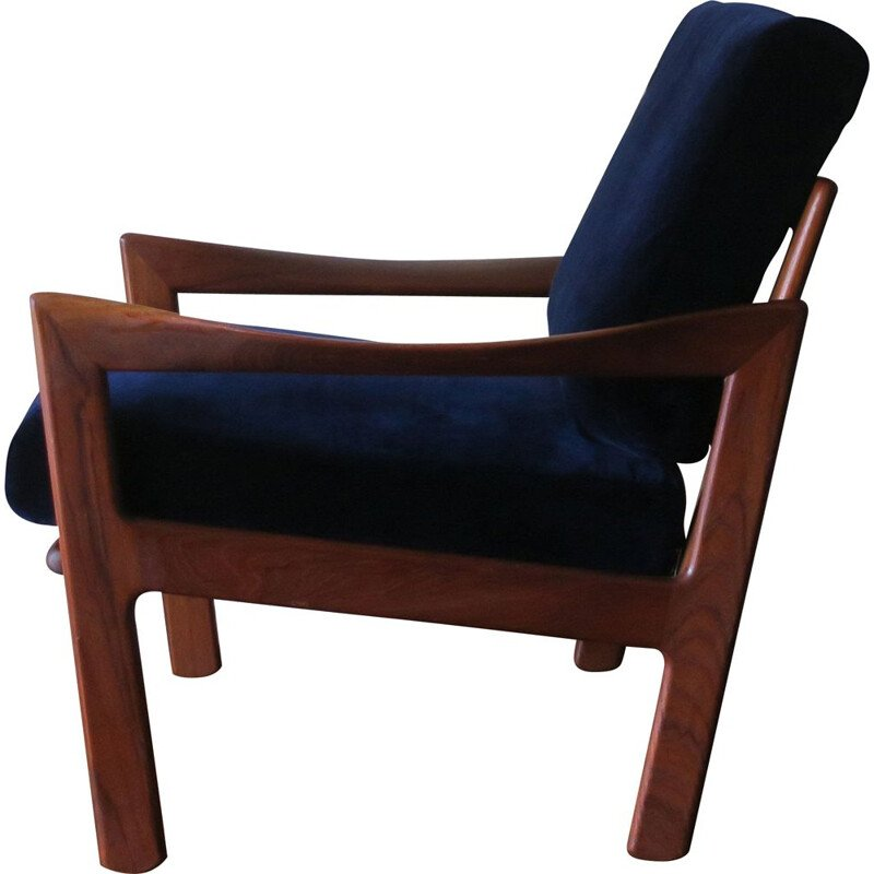 Vintage Lounge Chair Teak and Blue Velvet by Illum Wikkelsø for Niels Eilersen, 1960s